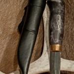 Läcker kniv med svart skaft